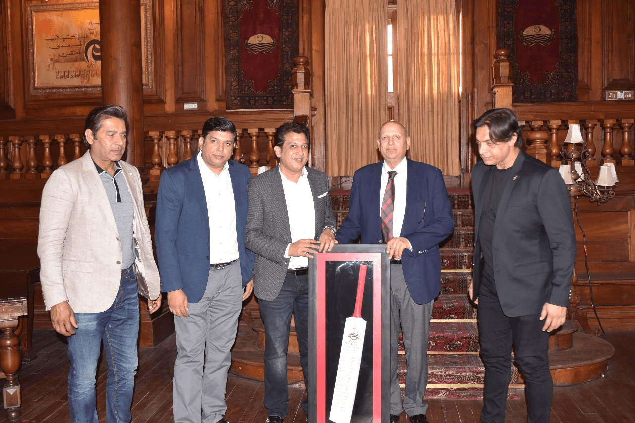 Governor Punjab hosted the Qalandars and congratulated them for a successful season of Player Development Program and for winning Abu Dhabi T20