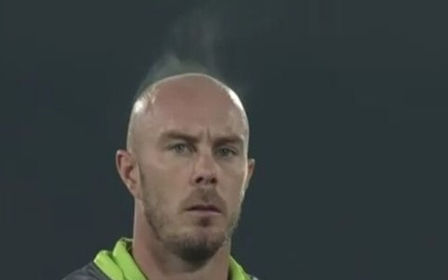 'He was literally on fire' – Twitter reacts to a viral video of Chris Lynn's head releasing steam