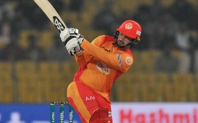 Twitter Reactions: Lahore Qalandars face fourth defeat of the season, courtesy Colin Munro's fiery knock